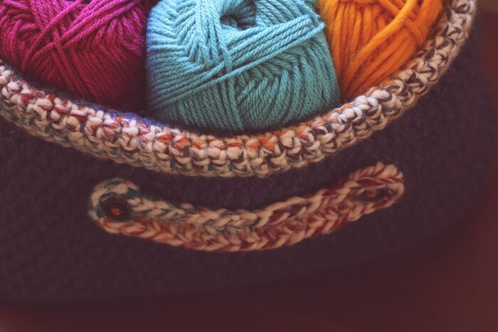 Free crochet pattern - oval basket with handles