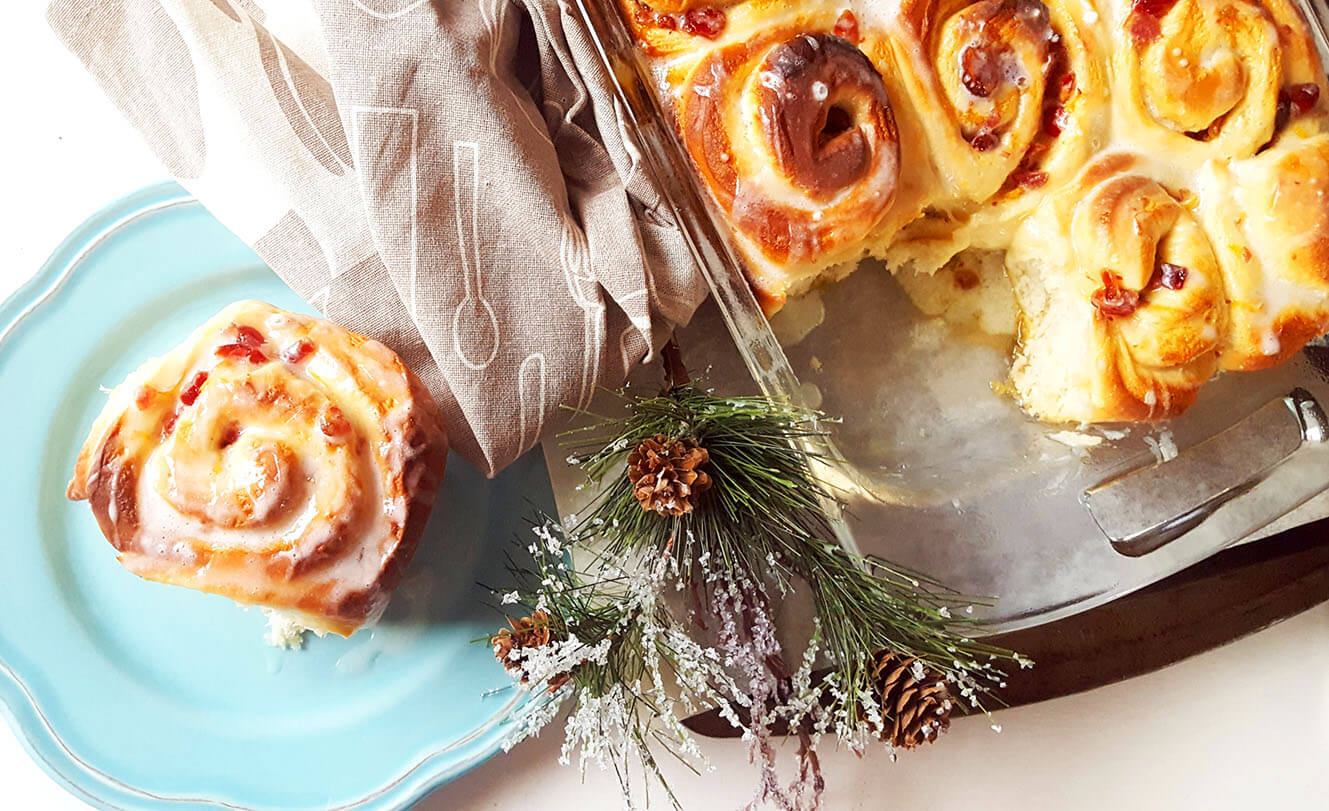 cranberry-orange-christmas-rolls