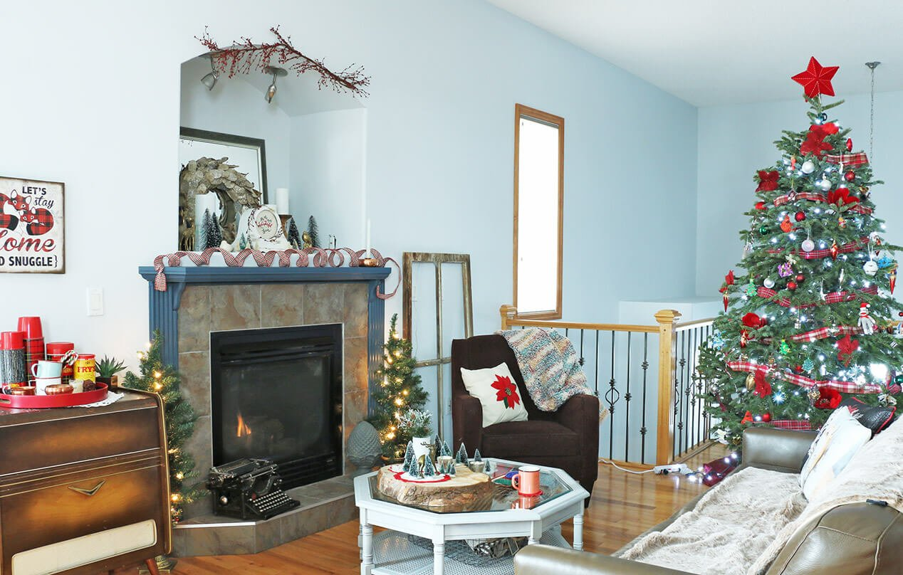 a-cozy-vintage-christmas-home-tour