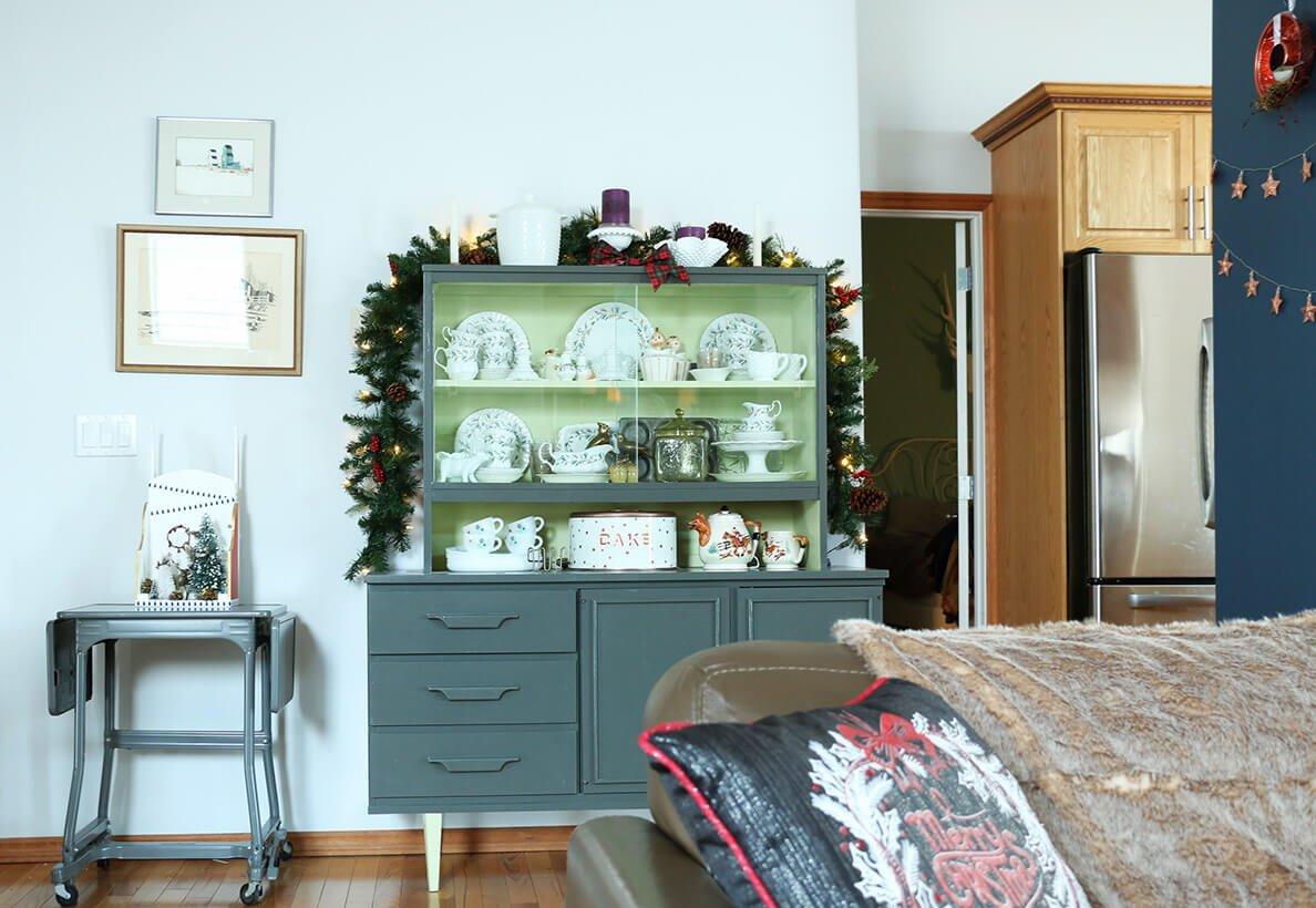 christmas-dining-hutch