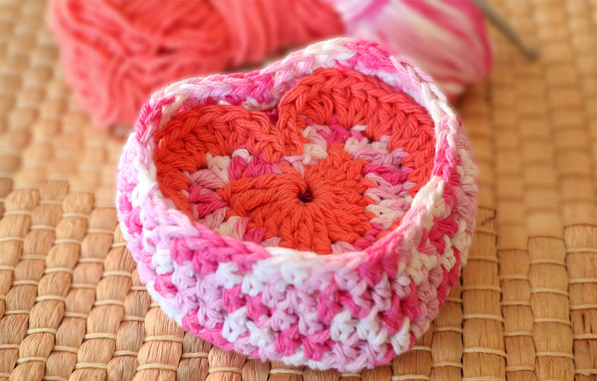 Free Valentine Face Scrubbies Crochet Pattern