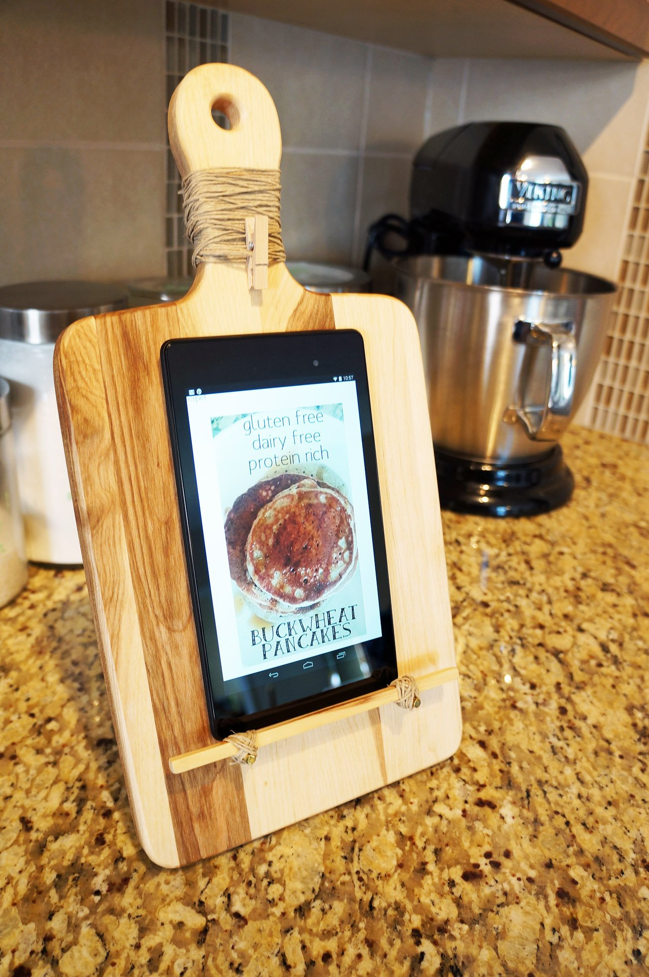 tablet stand DIY cutting board