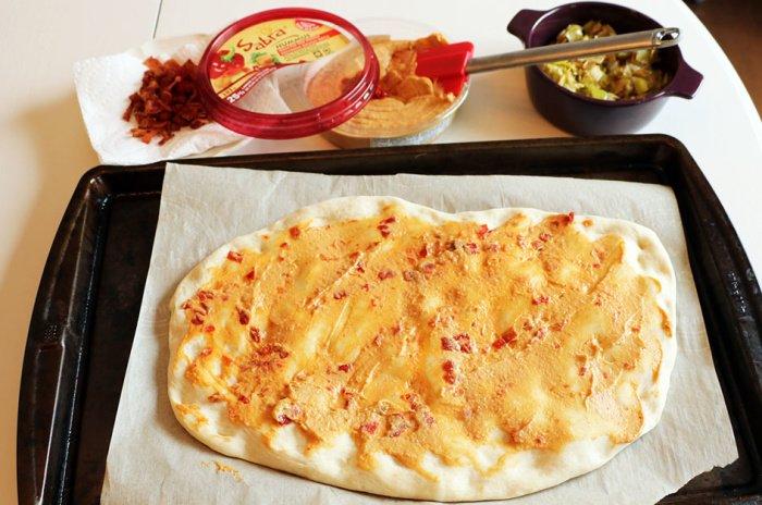 hummus flatbread