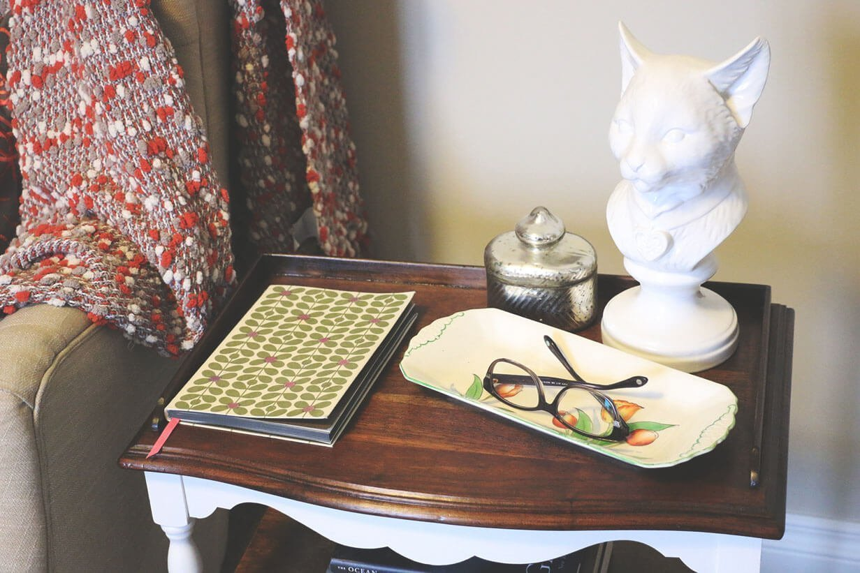 A $10 side table redo