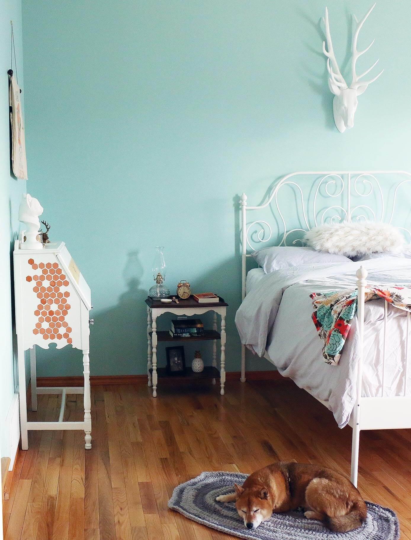 vintage-vibes-bedroom